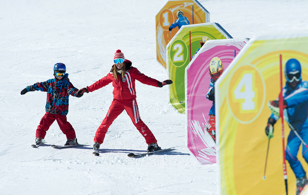 Ski lessons for children on Alpe di Siusi