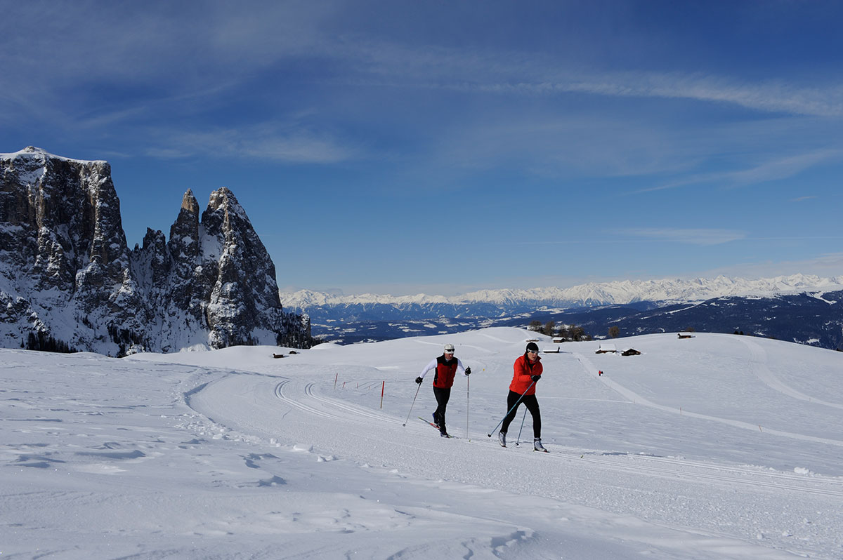 Cross-country skiing on Alpe di Siusi